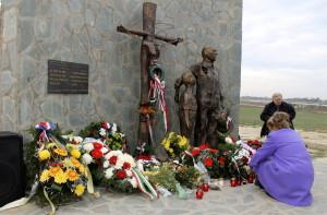 Az 1944/45-ös áldozatokra emlékeztek Csúrogon
