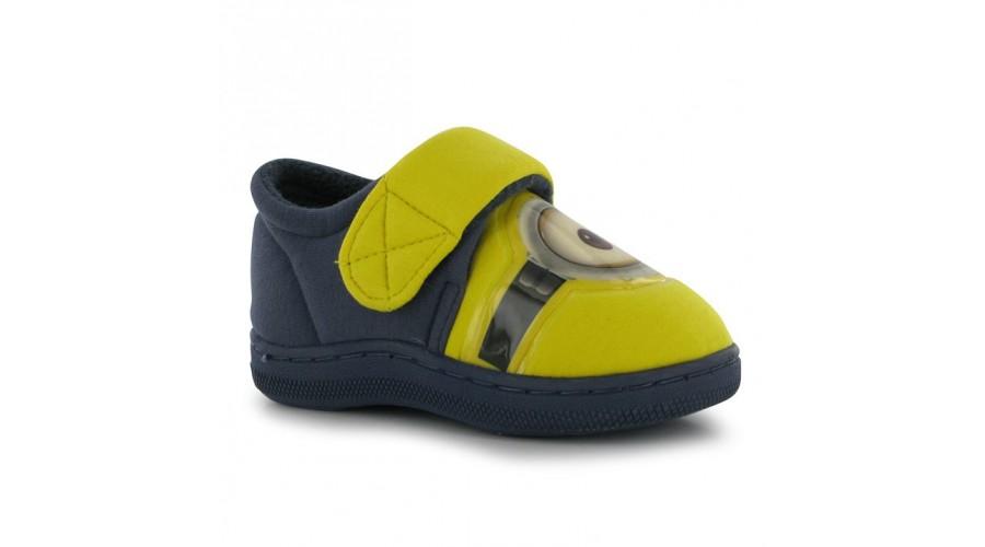 Minden gyerek szereti a Minyonos cipőt